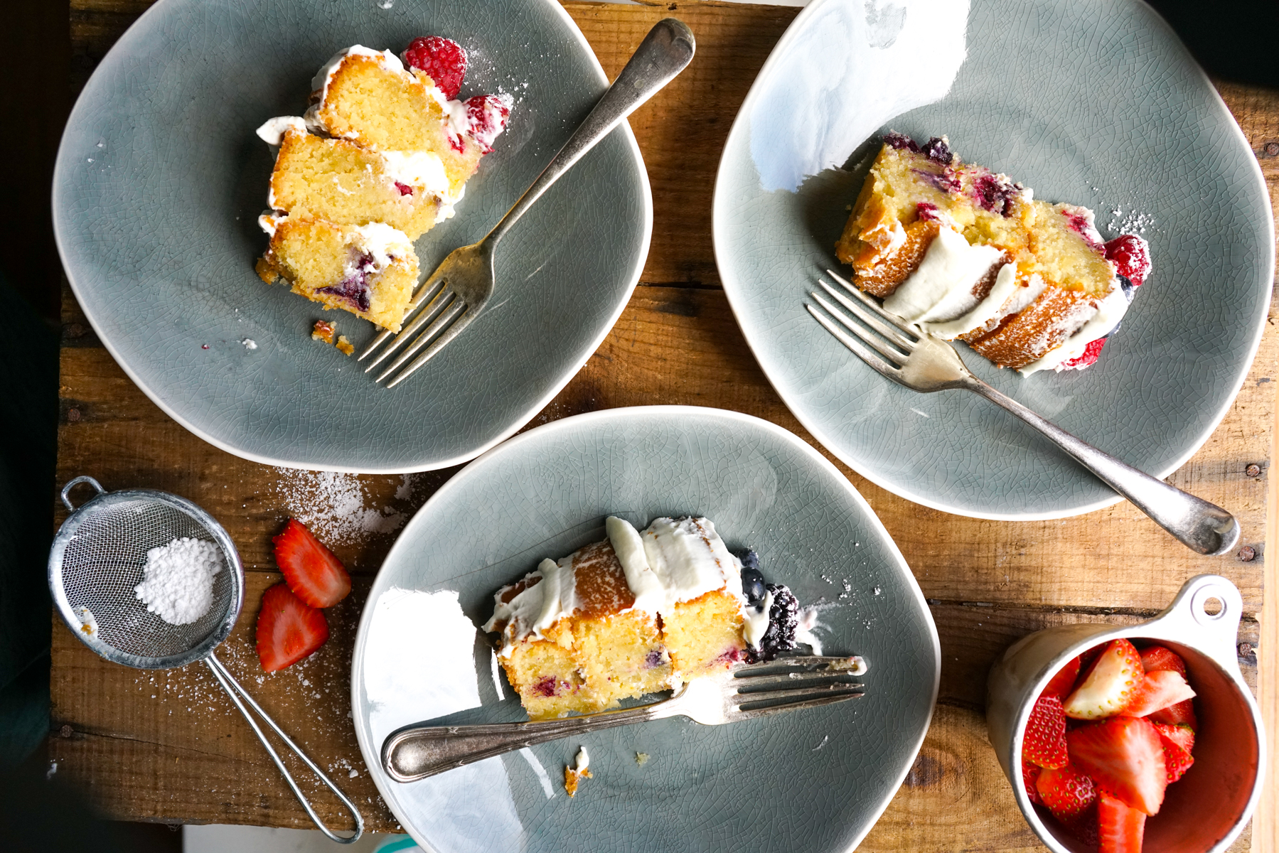 Coconut and Berry Cake - Gluten-Free