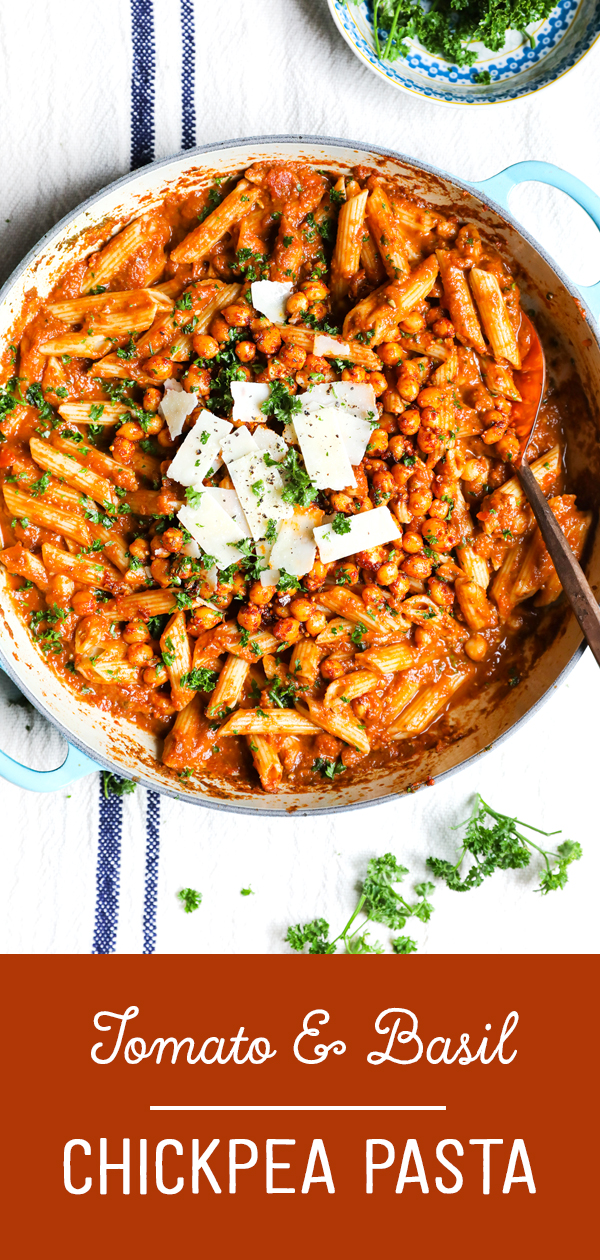 Easy tomato and basil pasta sauce recipe photo